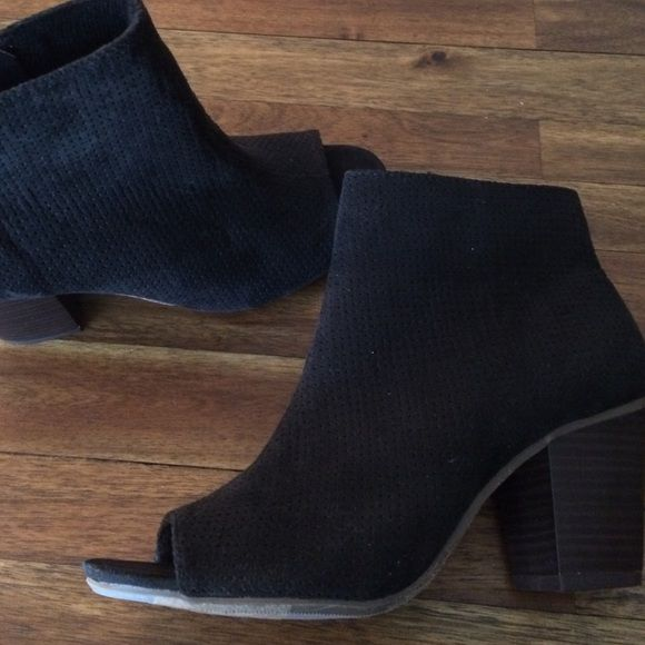 Old navy heeled booties Black suede open toe new never used Old Navy Shoes Ankle Boots & Booties