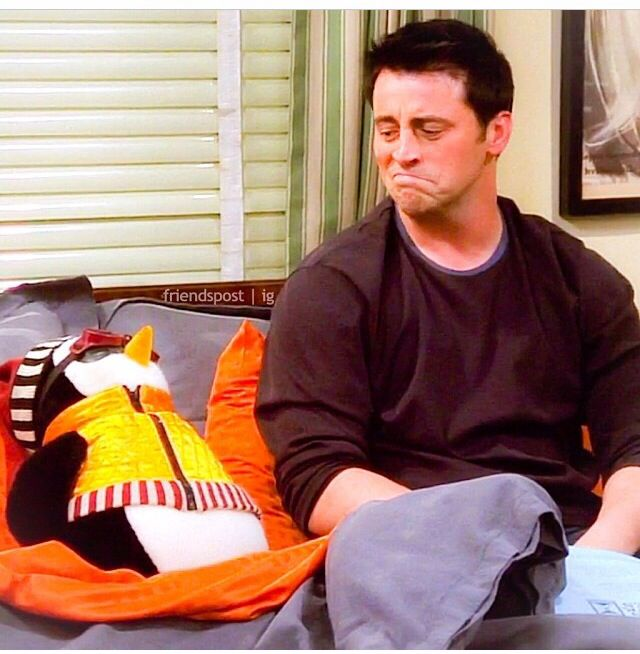 joey friends hugsy penguin tribbiani tv bedtime series moments salvo por bond greater than filmes