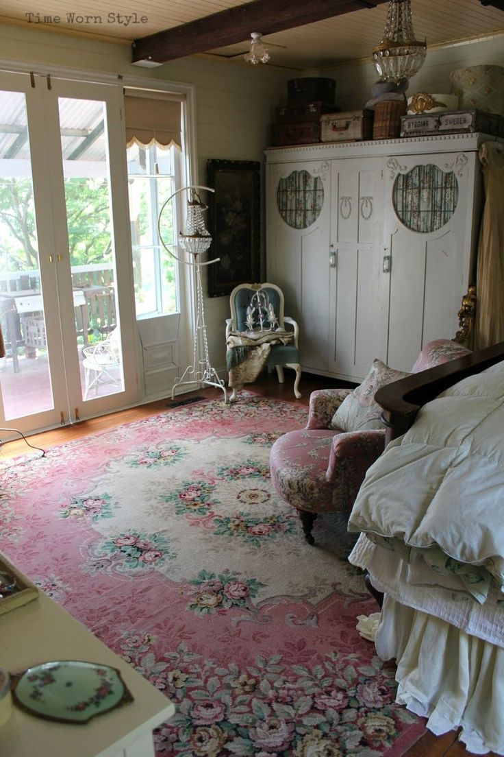 19 best shabby chic rugs images on pinterest shabby chic for Small rug for bedroom