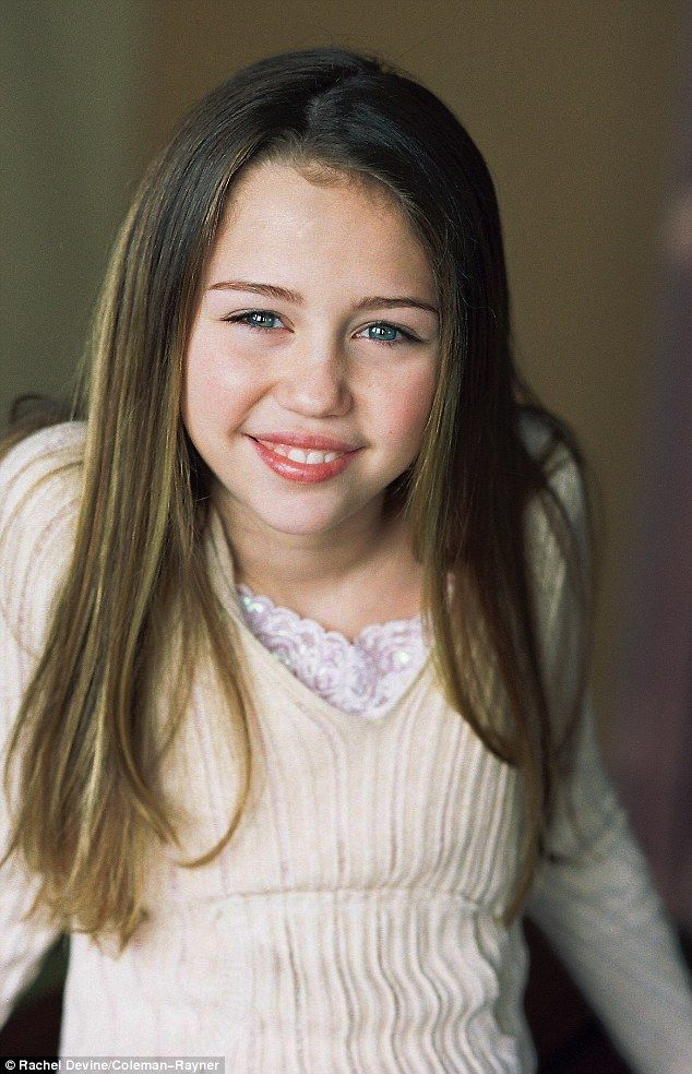 Picture Exclusive Childhood Modelling Shoot With Miley -6431