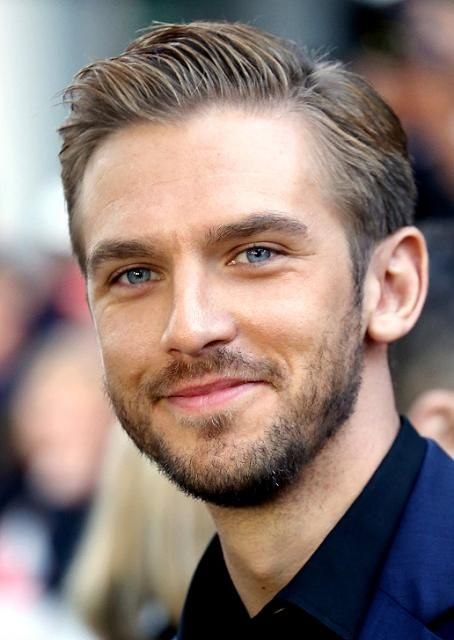 5 facts fans should know about the new 'Beauty and the Beast' star. Dan Stevens #celebrity
