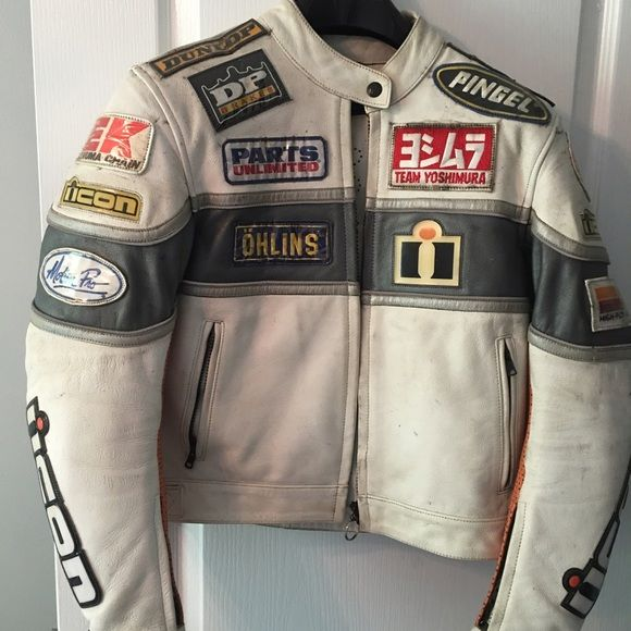 Women's icon motorcycle jacket Excellent used condition ... The white part can be cleaned with a magic eraser to brighten and remove dirt - there is general wear on jacket from riding (like dirt) this jacket is heavy duty !! Comes with a thin liner that can be removed ICON Jackets & Coats