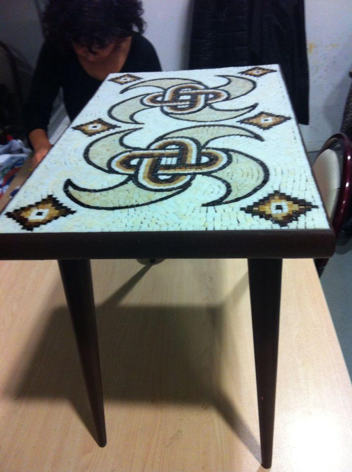 Zeugma yer mozaik deseninden alınma sehpa üzeri mozaik çalışma 50x30cm  by Hilal Taşcı Üğütgen