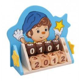 Dieser tolle Kalender, bestehend aus 12 Holzwürfeln mit den Zahlen von 0 – 9, bieten dir eine Vielzahl von Möglichkeiten. Die Kombination der Würfel, kann sowohl den heutigen Tag, deinen Geburtstag, ein Tag in der Zukunft oder einfach nur einen Countdown bis zum nächsten Ereignis anzeigen. Den Möglichkeiten sind keine Grenzen gesetzt, nutze Sie mit diesem tollen Artikel aus