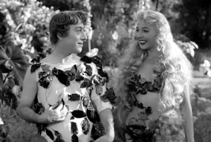 """Macario (Erminio Macario) and Isa Barzizza in Mario Mattoli's comedy """"Adamo ed Eva"""" (English title: """"Adam and Eve""""; 1949)."""