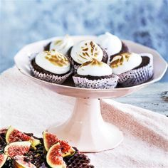 Chokolademuffins med marengstoppe