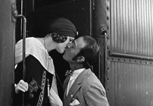 """mirrormaskcamera:  """"Heaven knows I'm no sheik!…I let them play me up as a lounge lizard, a soft handsome devil who's only aim in life was to sit around and be admired by women."""" Rudolph Valentino"""