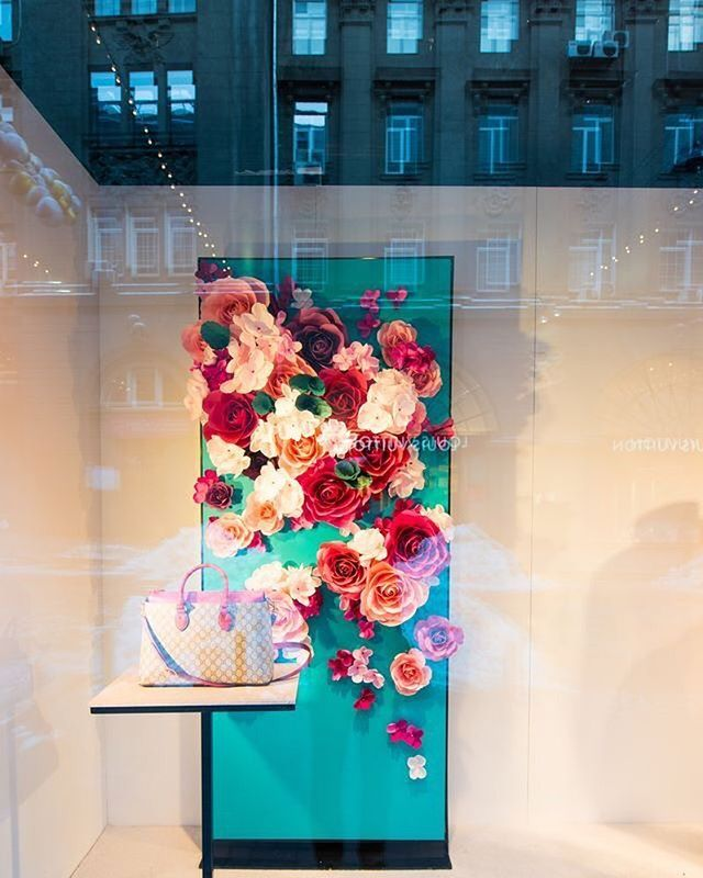 """GUCCI, Kyiv/Kiev, Ukraine, """"Paper flower installation. Enjoy the variety of flowers, colors and composition"""", creative by Mio Gallery, pinned by Ton van der Veer"""