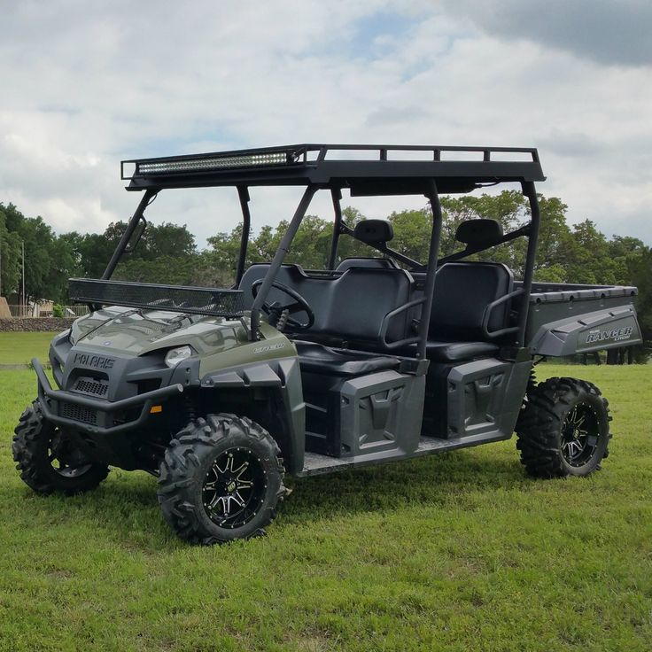 Polaris_Ranger_800_Crew_Metal_Roof_One_Piece_with_Light_and_Stereo__32902.1429142419.1280.1280.jpg (1280×1280)