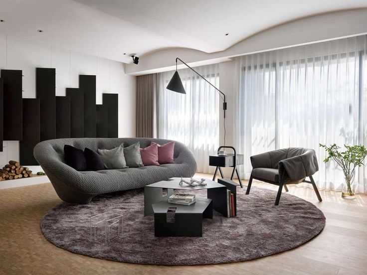 Living room furnished with ploum sofa live beautifully for Canape ligne roset