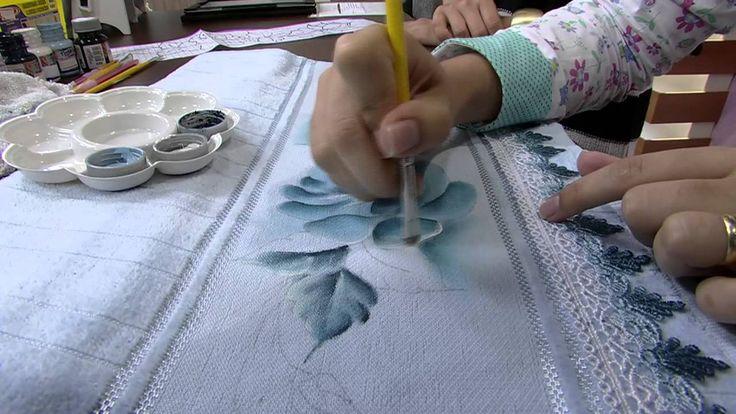 Mulher.com 14/05/2014 Thanynha Avila - Pintura tecido rosas Parte 2/2