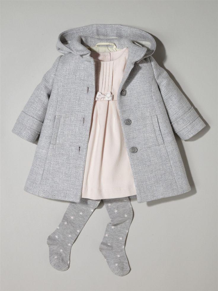 Silhouette Baby-Mantel, Wolltuch + Baby-Kleid, Velours + Baby-Strumpfhose, Jersey mit Sternen -