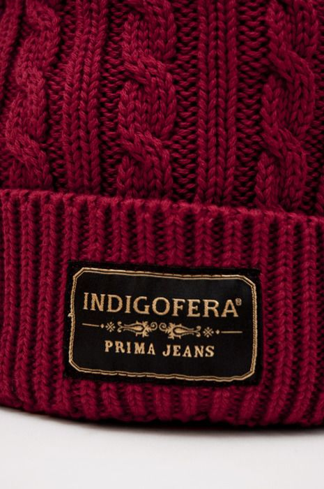label clothing serif light on dark