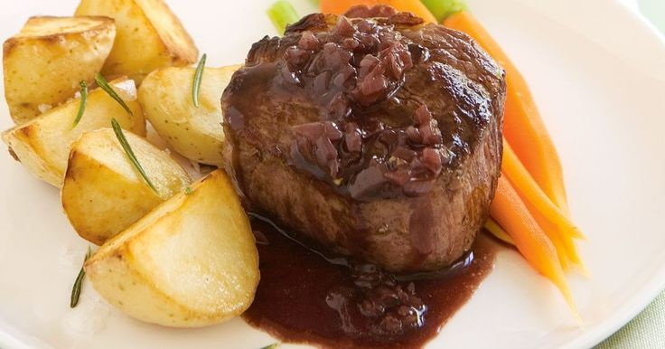 Serve this tasty red wine sauce with roast meat.