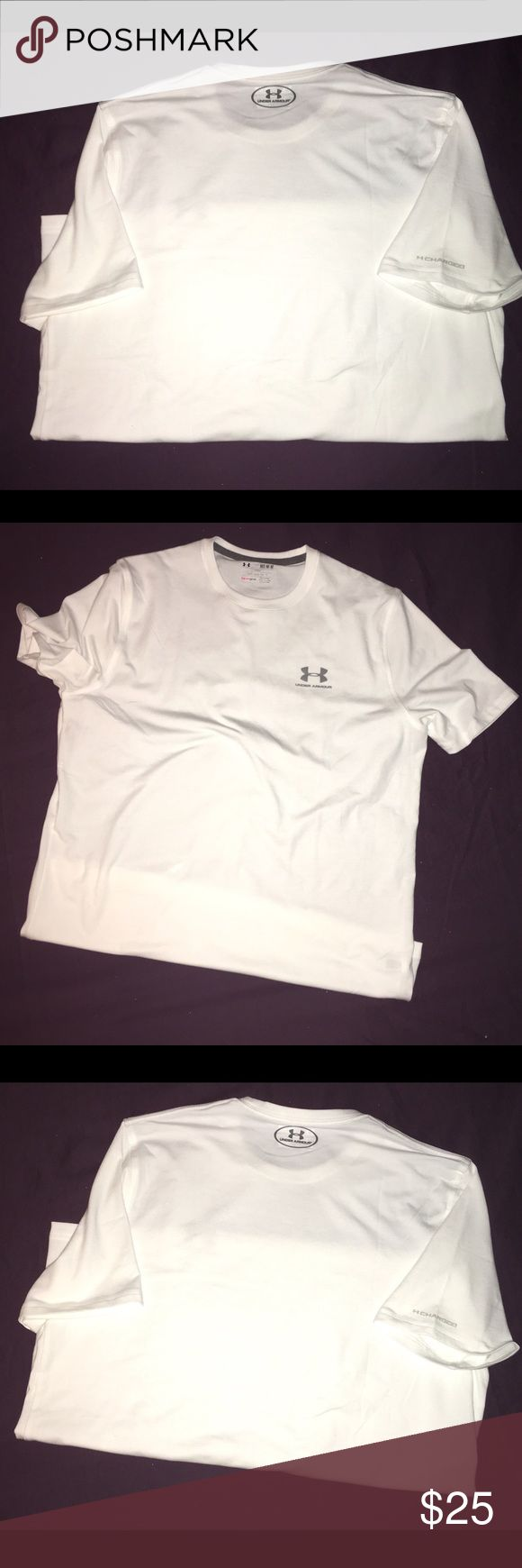 """Women's Size Medium Under Armour Heat-Gear Tee. ✨Brand New✨ Women's size M """"Heat-Gear Under Armour Tee. White w/ silver logo on chest & right arm. Only tried on, no tags. Fits loose. Under Armour Tops Tees - Short Sleeve"""