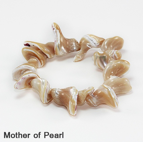Stretch Shell Bracelets. Wholesale Fashion Jewelry at its best on www.beadnic.com: Stretch Shells, Fashion Jewelry, Shells Bracelets, Wholesale Fashion