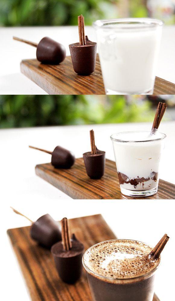 Chocolate quente no palito de canela, uma ótima idéia para depois da sobremesa…