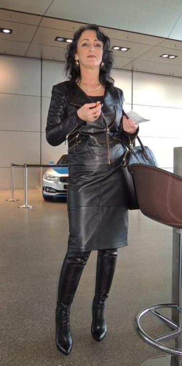 Pin Em Women In Boots Mulheres De Botas