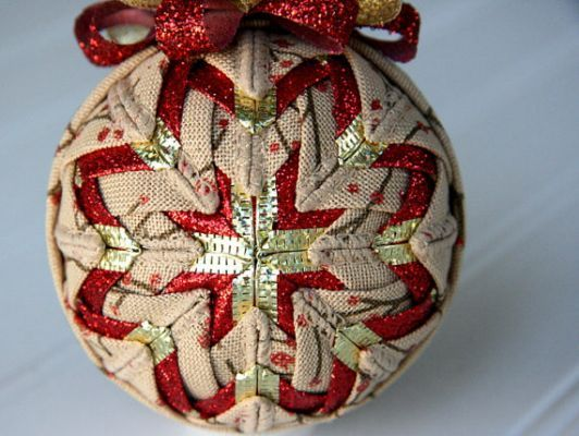 Quilted Christmas Ornament Ball