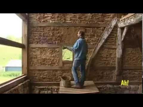 Дом из глины и соломы или как строят мазанку в Германии - YouTube