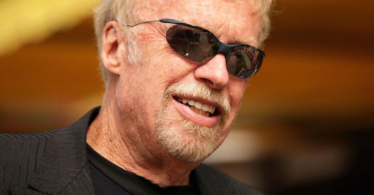 How Phil Knight turned a dream into a $25 billion fortune