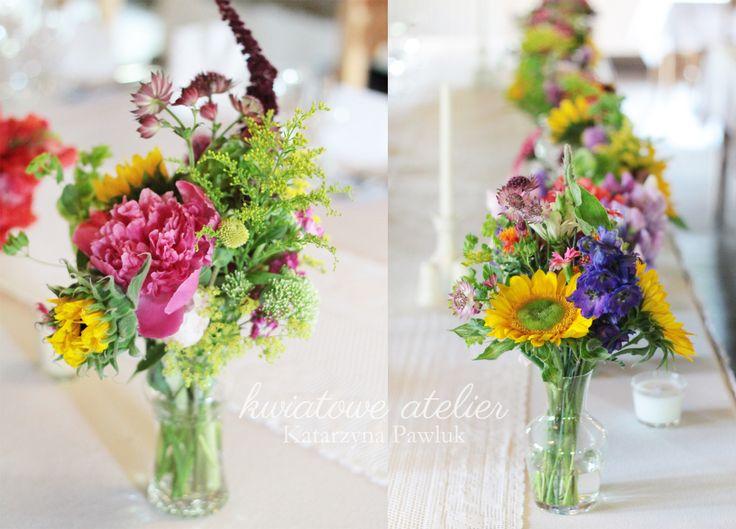 Rustykalne przyjęcie weselne www.kwiatowe-atelier.pl