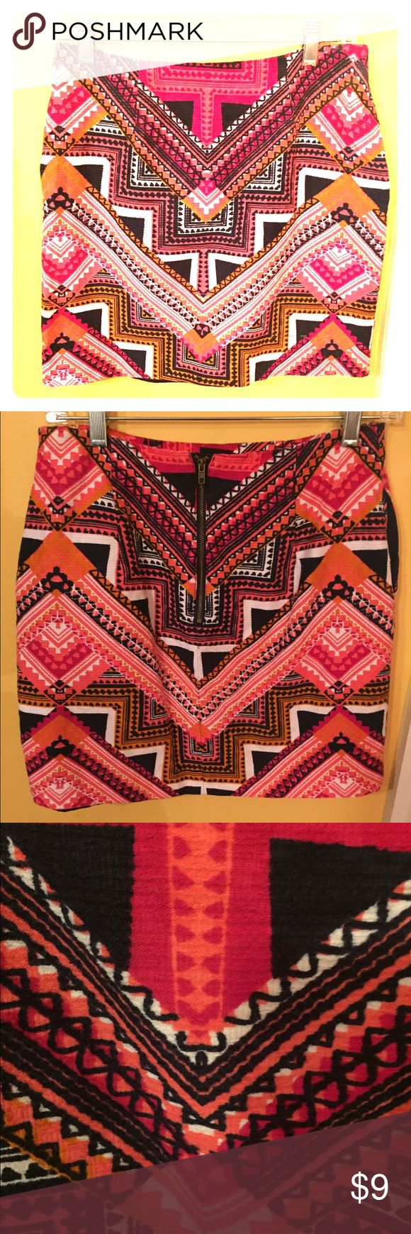 Tribal print skirt Woven tribal pinskirt.  Comes to about mid thigh, can wear to work or for a night out.  Zipper in the back Merona Skirts Pencil
