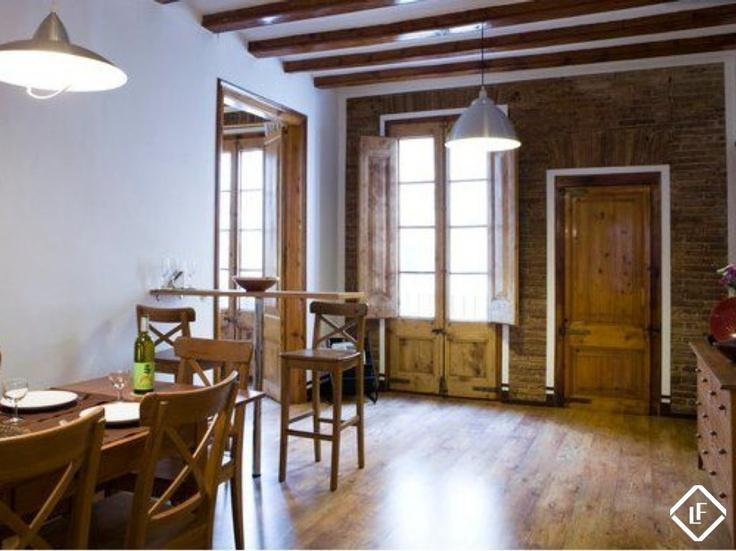 Appartement de 2 chambres meublé à louer dans le quartier gothique de Barcelone.