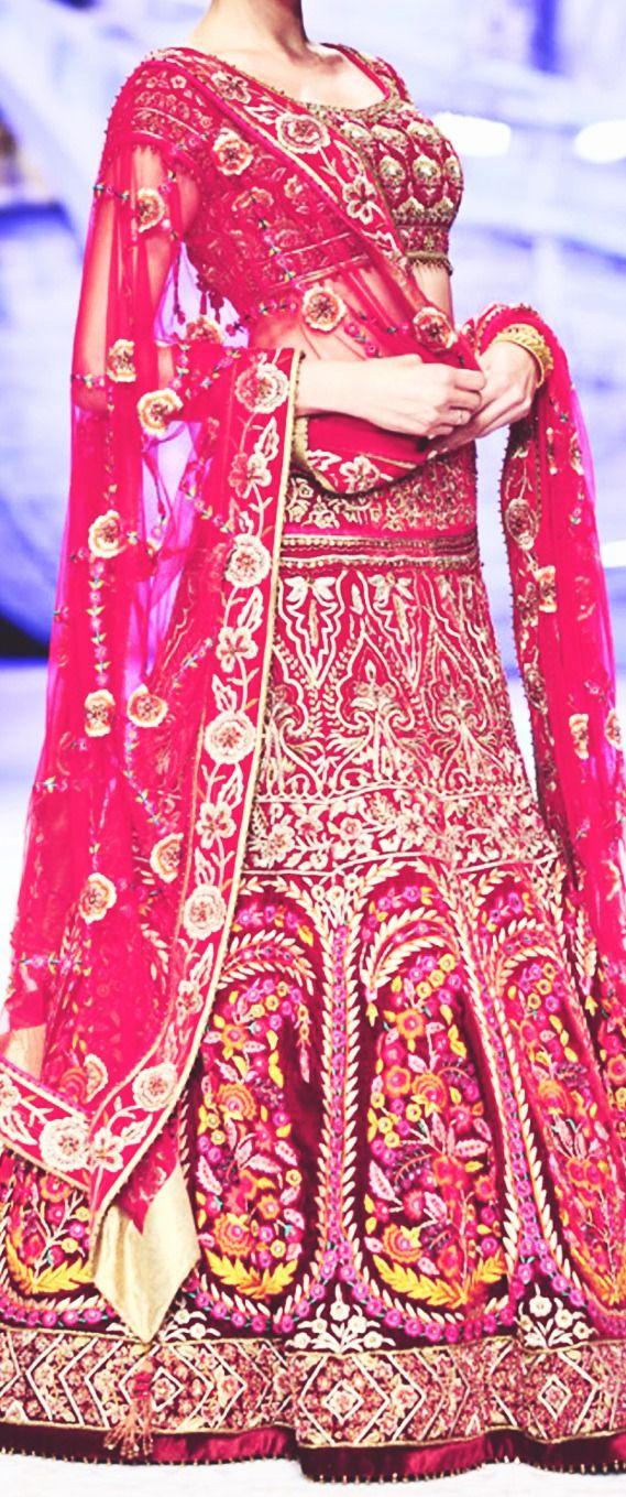 jj valaya India bridal fashion week 2013