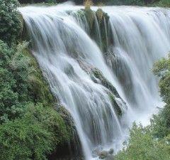 Marmore Waterfalls  https://www.roseinthewind.com/hobby-tempo-libero/scoperta-dellumbria-cascia-spoleto-marmore-narni
