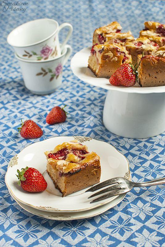 Jogurtowy placek z truskawkami (bardzo prosty!) by Smakiempisany