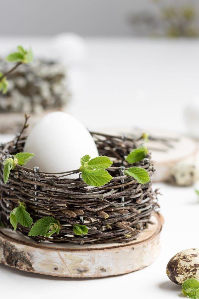 Osterkörbchen - Korb flechten aus Naturmatierial - DIY Anleitung - Baumscheiben und Nägel - Birkenzweige