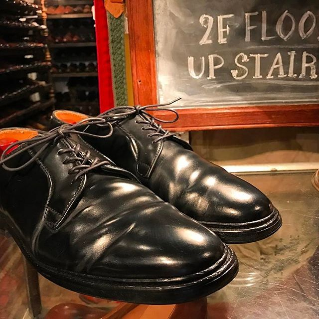 2017/05/02 22:51:15 whistler_chart ・ ・ Recommend new stuff ・ ''Alden'' 9901 ・ Made in U.S.A. Color:Black/''Cordovan'' Plain-toe blucher Oxford Barrie Last ・ #whistler #chart #tokyo #koenji #used #usedclothing #antique #fashion #shoes #bag #vintage #vintagefashion #vintagestyle #vintageshoes #leather #leathershoes #w_c_a #ウィスラー #チャート #東京 #高円寺 #古着屋 #古着 #靴 #recommended #newstuff #alden #cordvan #オールデン