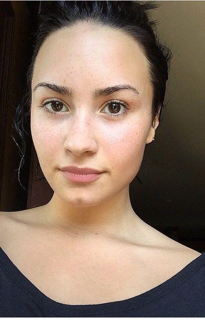 Demi's no makeup Monday. Love these no makeup celebrities! Helping teach confidence! #iwokeuplikethis