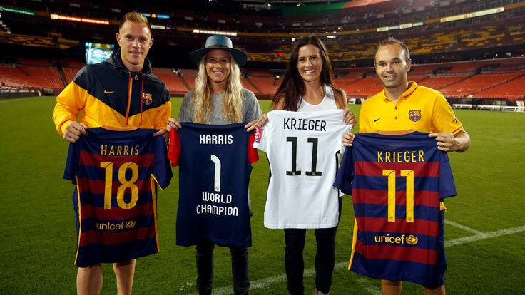 Ashlyn Harris and Ali Krieger with Ter Stegen and Andrés Iniesta  #FCBarcelona #FansFCB #Football #FCB #Harris #Krieger #Stegen #Iniesta