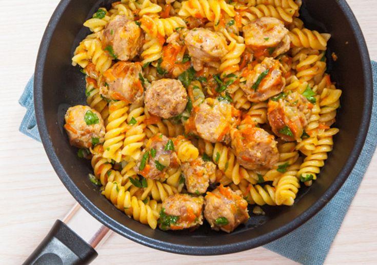 Η βαθιά γεύση της σάλτσας με το χωριάτικο λουκάνικο συμπληρώνεται όμορφα με τις Βίδες Melissa σε ένα πιάτο που θα φτιάξετε ξανά και ξανά! #βίδες #μακαρόνια