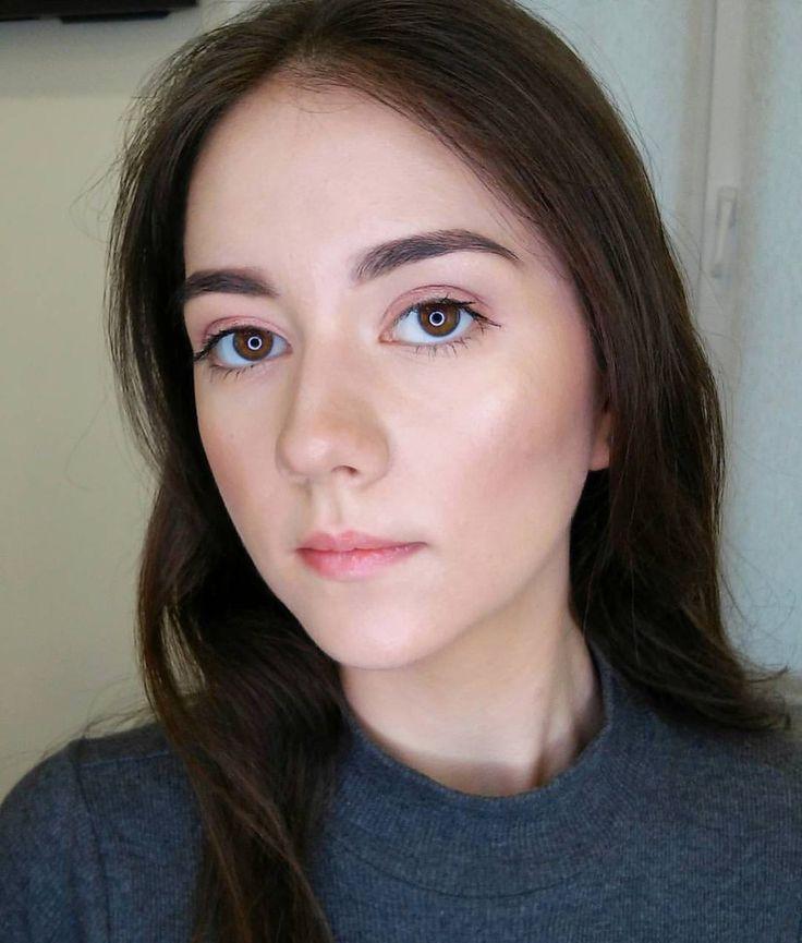 Легкий нюдовый макияж в моем исполнении🍒   А какой макияж предпочитаете вы: лайтовый или яркий?  #hheeled #high_heeled #kateryna_trukhanova #макияжкиев #визажисткиев #muakiev #mua #makeup_trukhanova #beautyblogger #бьютиблог