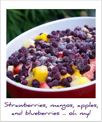 Mango-berry crisp: Berry Crisp, Mango Berry, Strawberry Blueberry, Apple Crisp, Strawberry Blueberries, Blueberries Apple, Berries Strawberry, Baking Crisp
