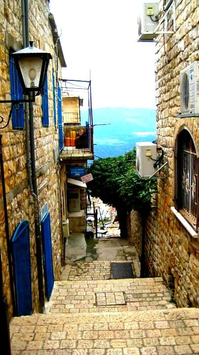 Bring me back to Tzfat, please.