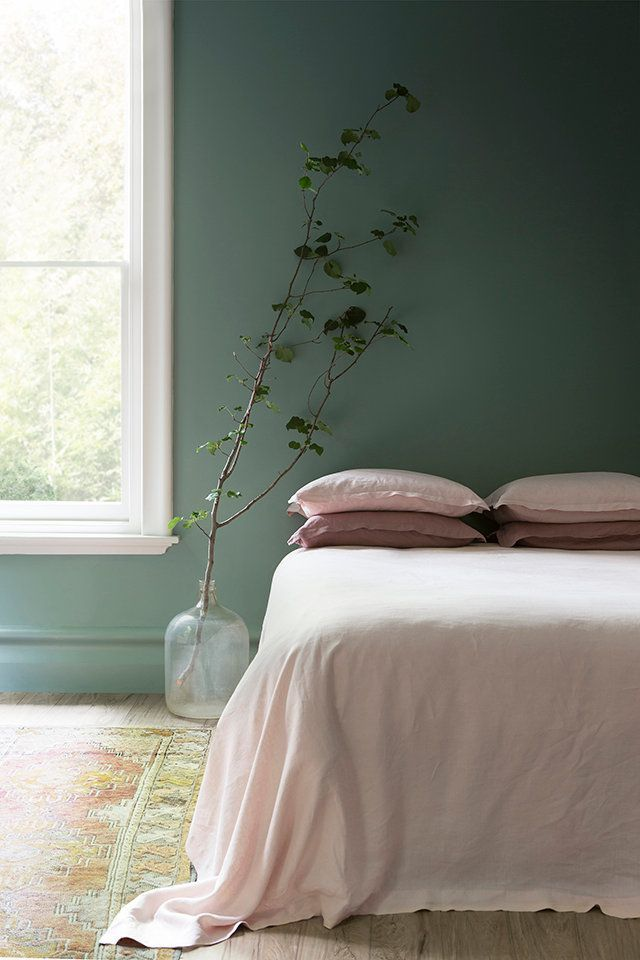 Best 25 forest green bedrooms ideas on pinterest for Light pink and mint green bedroom