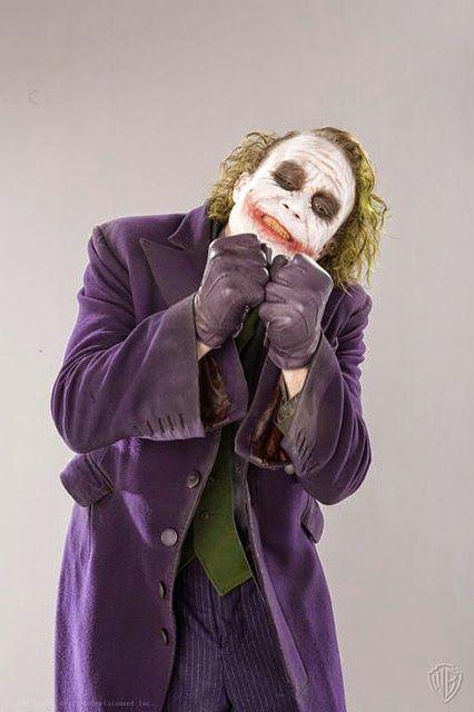 Fotos esquecidas de Heath Ledger como Coringa são divulgadas | SuperVault
