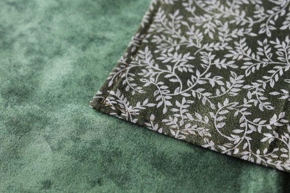 Green leaf Tarot cloth altar cloth Runes cloth tarot by ElfAndOak