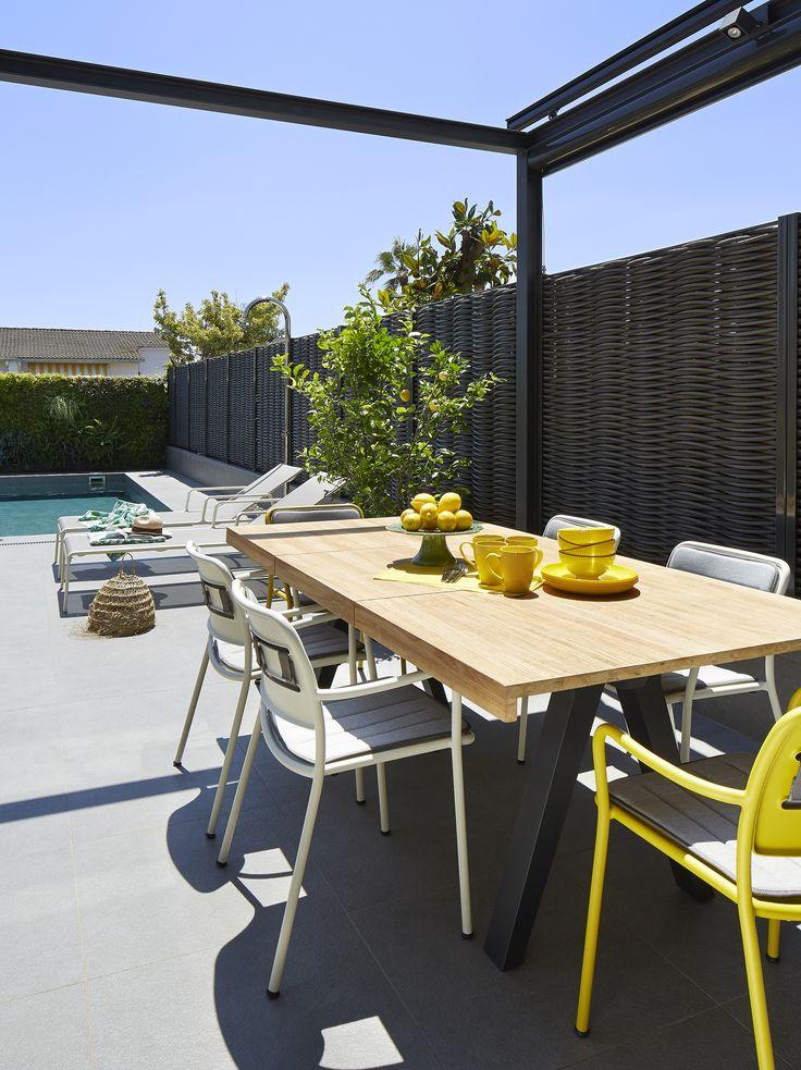 Molins Interiors // arquitectura interior - interiorismo - decoración - casa - exterior - jardinería - piscina - jardín - mobiliario - garden - comedor - dining area