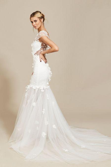 Eloise Gown Oana Nutu Fashion Designer Wedding Dress Wedding Gown www.OanaNutu.com #fashion #style #shopping #oananutu #Bridal #BridalDress #WeddingDress #Bride #FashionDesigner #Wedding
