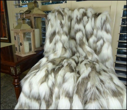Throw Rug Cleaning Near Me: Best 25+ Faux Fur Rug Ideas On Pinterest