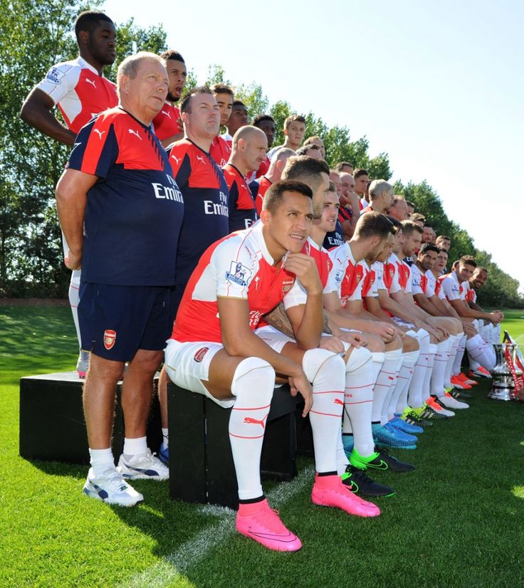 First-team photocall 2015/16 The Arsenal squad pulled on their kit on Thursday for the official 2015/16 photocall at London Colney.