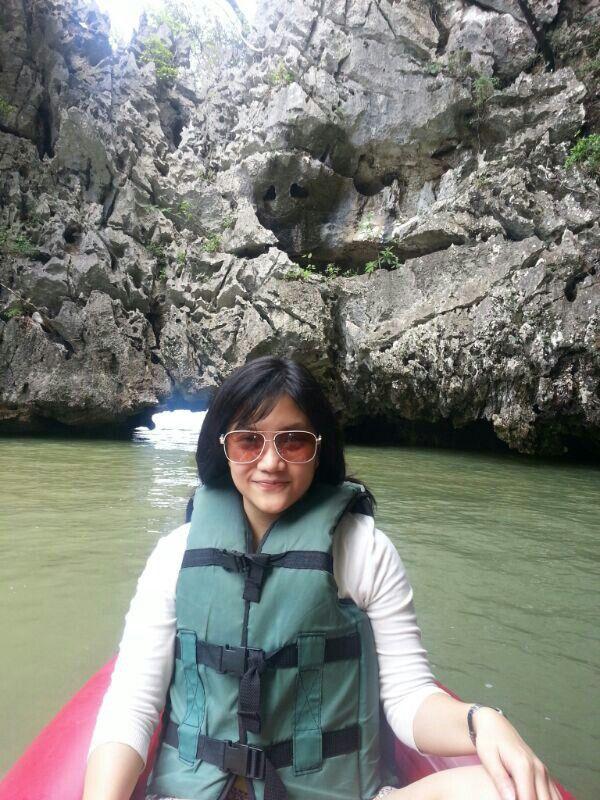 Sea canoeing experience at Talu Island