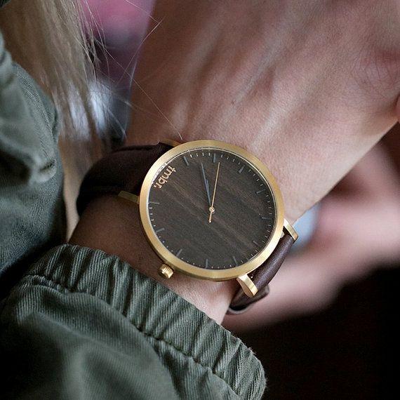 Montre bois pour programme, noyer bois montre en or, bracelet en cuir brun…
