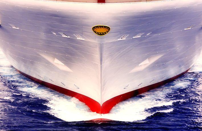 """L'industria marittima europea, attraverso l'associazione SEA Europe, di cui fanno parte tutti i principali Paesi del continente coinvolti nella navalmeccanica, ha dato ufficialmente il via all'associazione """"Vessels for the Future"""". L'iniziativa, di cui Fincantieri è socio fondatore insieme a Rolls Royce, intende promuovere la ricerca, lo sviluppo e l'innovazione in ambito marittimo, guardando in particolar …"""