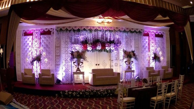 Dekorasi jawa modern  More info  Line: singgih_ event IG : singgih_event WA :081804342391 Phone : 081804342391/082220547226 Email : enwog.graciad13@gmail.com